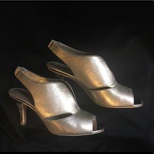 Bandolino Gold Mirabella 7.5M Slingback Heel